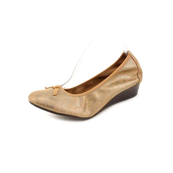 Hush Puppies Women's 'Candid Pump' Leather Dress Shoes