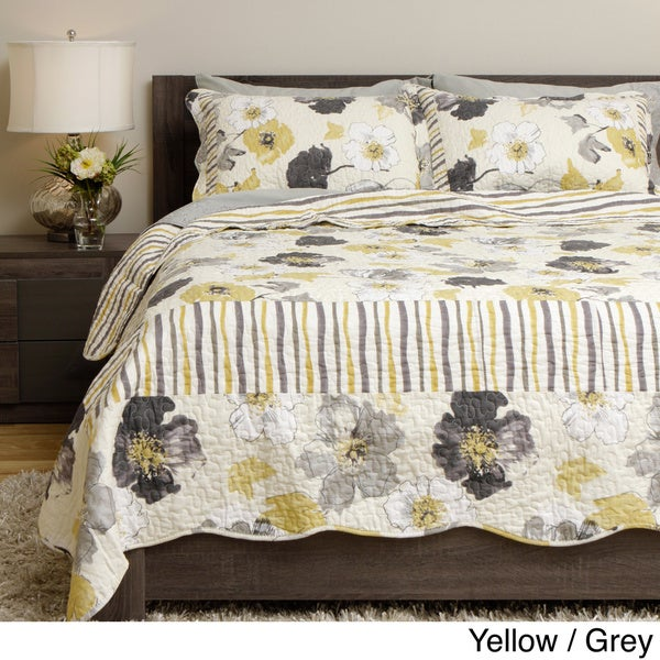 Grand Bazaar Flowers and Stripes 3-piece Quilt Set