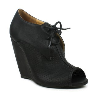 Mark & Maddux Women's 'Rashida-02' Perforated Lace-up Wedge Booties