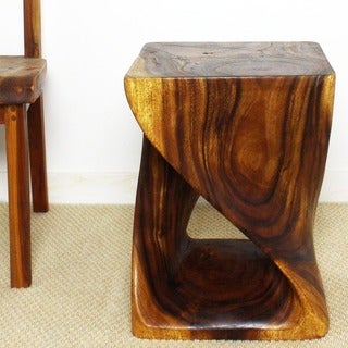 Hand-carved 20-inch Walnut Oiled Twist End Table (Thailand)