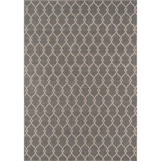Indoor/ Outdoor Grey Trellis Rug (8'6 x 13')
