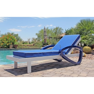 Lounge Chair with Sunpowered Refreshing Cooling Mist
