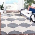 Safavieh Indoor/ Outdoor Courtyard Beige/ Navy Rug (2'3 x 8')