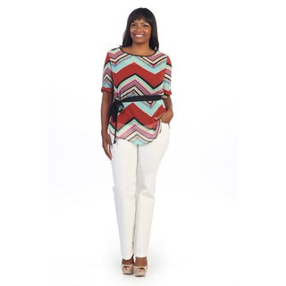 Hadari Women's Plus Size Scoop Neck Chevron Top