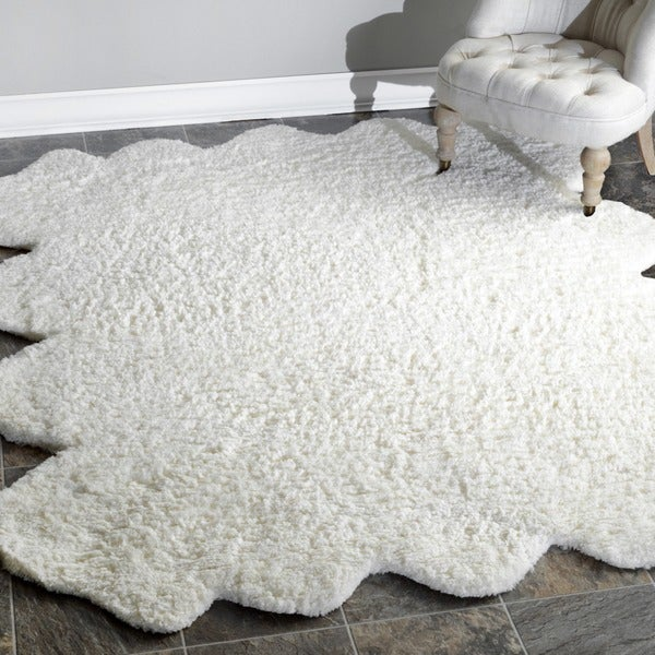 nuLOOM Hand-tufted Faux Sheepskin Octo Pelt Natural shag Rug