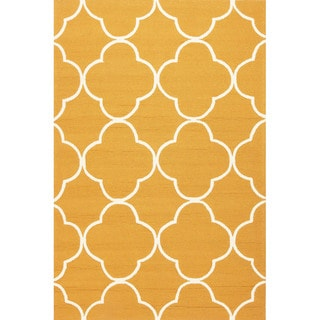 Geometric Pattern Orange/ White Polypropylene Area Rug (3'6x5'6)