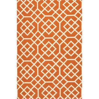 Geometric Pattern Orange/ White Polypropylene Area Rug (5'x7'6)