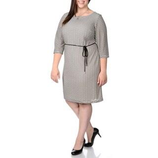 Sandra Darren Women's Plus Size Wavy Print Shift Dress