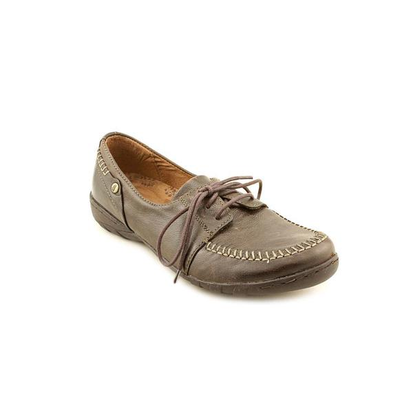 Hush Puppies Women's 'Almeda' Leather Athletic Shoe (Size 5.5 )