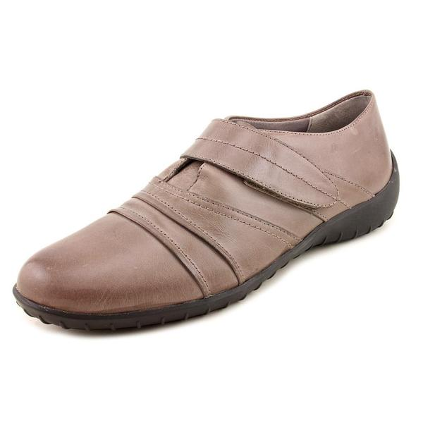 Walking Cradles Women's 'Feline' Leather Casual Shoes - Narrow (Size 9.5 )