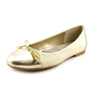 Tahari Women's 'Collins' Leather Dress Shoes