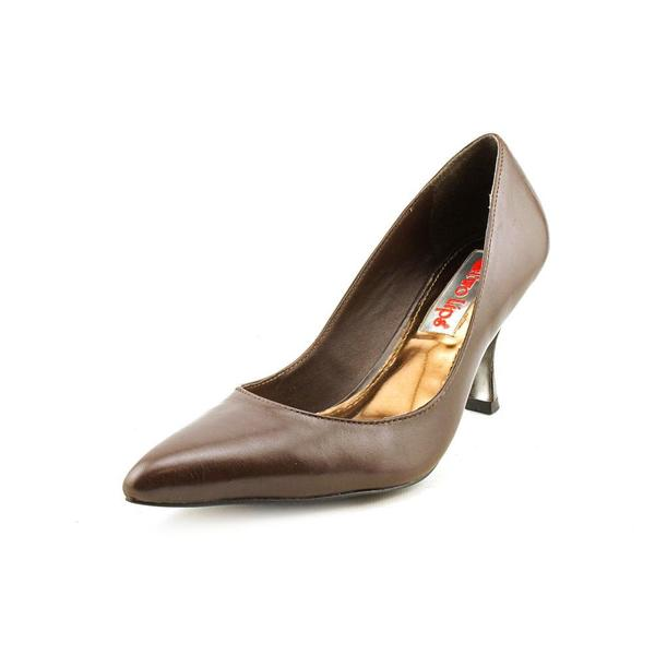 Women who wear large shoe sizes will be amazed at the selection of size 10, 11, 12 and 13 shoes on the shelves at Marti and Liz