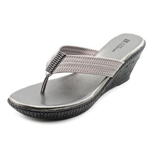 White Mountain Women's 'Awe' Fabric Sandals (Size 10 )