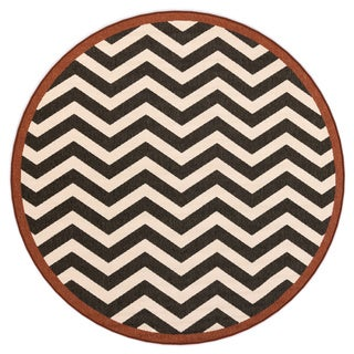 Meticulously Woven Ariana Chevron Indoor/ Outdoor Area Rug (8'9 Round)