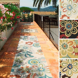 Hand-hooked Kim Transitional Floral Indoor/Outdoor Area Rug (2'6 x 8')