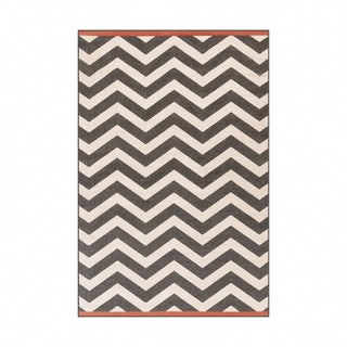 Meticulously Woven Ariana Chevron Indoor/Outdoor Area Rug (6' x 9')