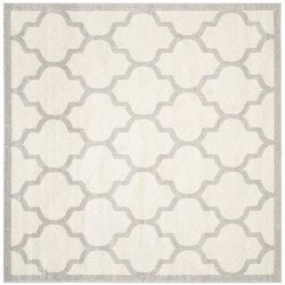 Safavieh Indoor/ Outdoor Amherst Beige/ Light Grey Rug (7' Square)