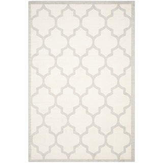 Safavieh Indoor/ Outdoor Amherst Beige/ Light Grey Rug (8' x 10')