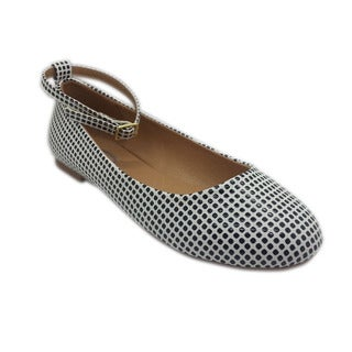 Women's White and Black Textured Ballet Flats