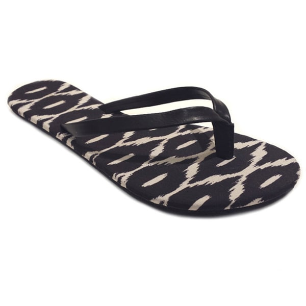 Olivia Miller Women's Black Ikat Printed Flat Sandals