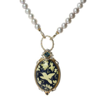 Michael Valitutti Two-tone 'Hummingbird' Carved Amber, London Blue Topaz, Sapphire and Freshwater Pearl Necklace (5.5-6 mm)