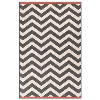 Meticulously Woven Ariana Chevron Indoor/Outdoor Area Rug (3'6 x 5'6)