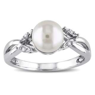 Miadora 10k White Gold Freshwater White Pearl and Diamond Accent Ring (7.5-8 mm)