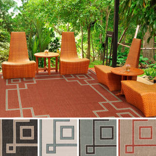 Meticulously Woven Odette Contemporary Geometric Indoor/Outdoor Area Rug (7'3 Square)