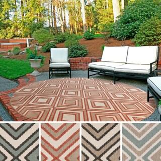 Meticulously Woven Jasmine Contemporary Geometric Indoor/ Outdoor Area Rug (8'9 Round)