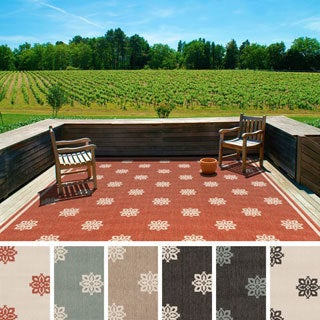 Meticulously Woven Jenna Contemporary Floral Indoor/Outdoor Area Rug (7'3 Square)