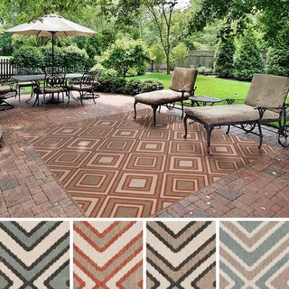 Meticulously Woven Jasmine Contemporary Geometric Indoor/ Outdoor Area Rug (7'3 Square)