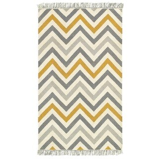 LNR Home Tribeca Grey Chevron Area Rug (7'9 x 9'9)