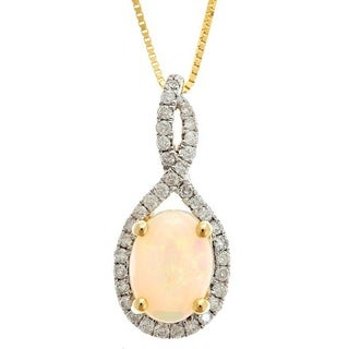 D'Yach 14k Yellow Gold Oval-cut Australian Opal and 1/5ct TDW Diamond Pendant (G-H, I1-I2)
