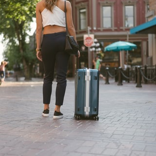 Lojel Horizon 25.5-inch Medium Hardside Spinner Upright Suitcase
