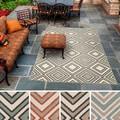 Meticulously Woven Jasmine Contemporary Geometric Indoor/Outdoor Area Rug (6' x 9')