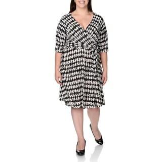 Sandra Darren Women's Plus Size Houndstooth Elbow Sleeve Faux Wrap Dress
