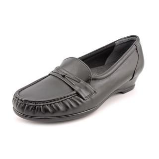 SAS Women's Roamer Slip-on (6 M, BLACK
