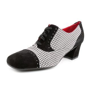 Amalfi By Rangoni Women's 'Taura' Regular Suede Dress Shoes - Wide