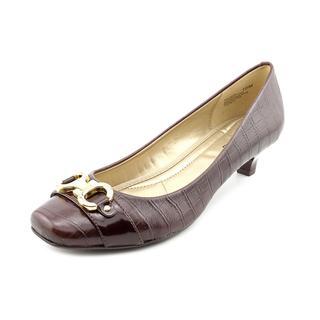 Bandolino Women's 'Louise' Leather Dress Shoes