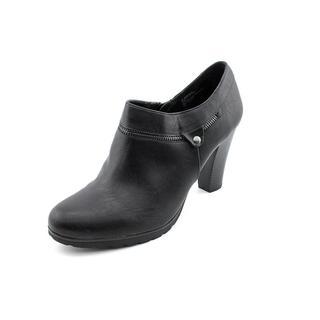 White Mountain Women's 'Studio' Faux Leather Boots
