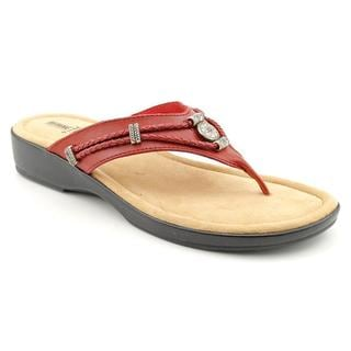 Minnetonka Women's 'Silverthorne Thong' Leather Sandals - Narrow