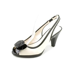 Anne Klein AK Women's 'Etta 2' Patent Dress Shoes (Size 6.5 )