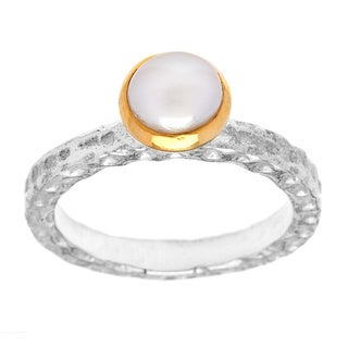 Rin Two-tone Sterling Silver Button Pearl Size 6 Ring (India)