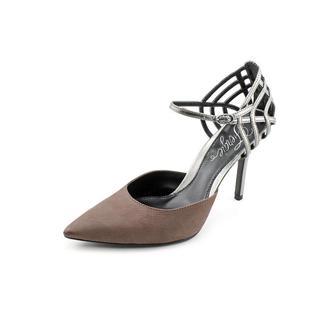 Fergie Women's 'Gardenia' Leather Dress Shoes (Size 8 )