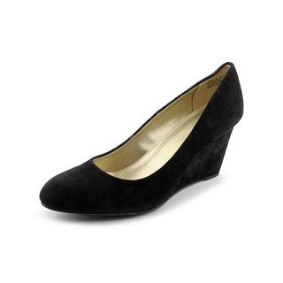 Bandolino Women's 'Transpose' Regular Suede Dress Shoes