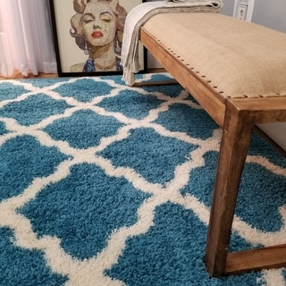 Maxy Home Shag Moroccan Trellis Turquoise Blue and Ivory Area Rug (6'7 x 9'3)