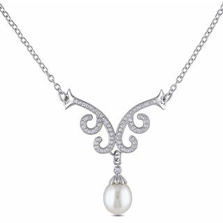 Miadora Sterling Silver Freshwater Pearl and Cubic Zirconia Fashion Necklace (8.5-9 mm)
