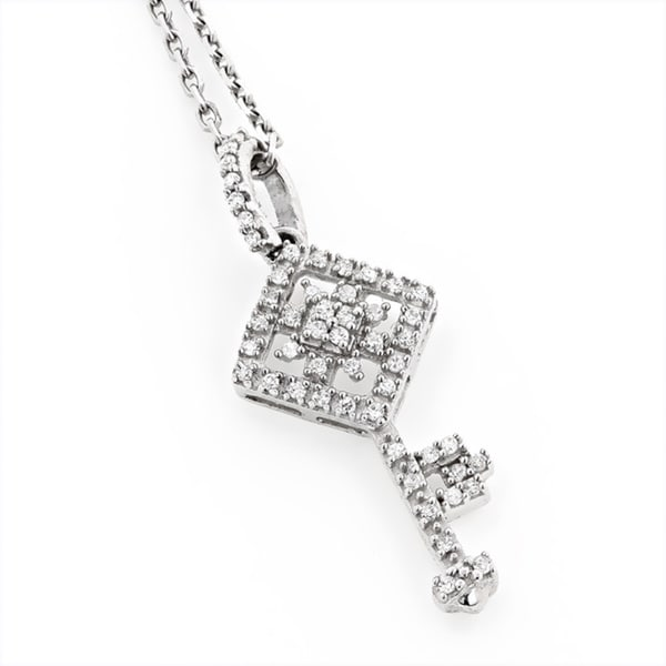 Luxurman 14k White Gold 1/5ct TDW White Diamond Key Pendant Necklace (H-I, SI1-SI2)