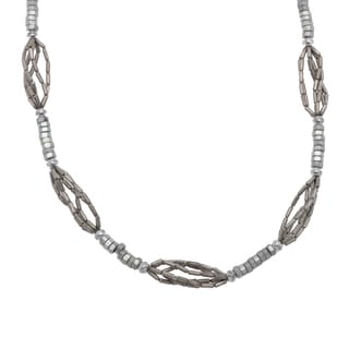 Hand-shaped Silvertone Nickel Beaded 30-inch Necklace (India)
