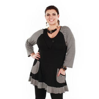 Women's Plus Size Black/ White Stripped Long Sleeve Tunic